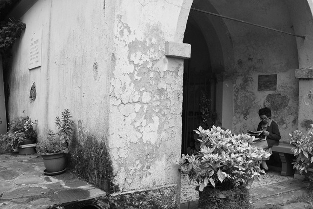 Sant'Anna di Stazzema Settenbre 2014. La più piccola dei tanti bambini che, il 12 agosto, la guerra ha qui strappato al girotondo del mondo. 23-7-1944 | 12-8-1944. Piazza Anna Pardini