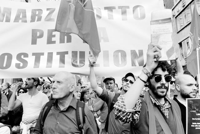 """Roma 12 ottobre 2013  Le lapidi sono importanti, i monumenti sono importanti, ma il più grande monu-mento, il maggiore, il più straordinario che si è costruito in Italia, alla Libertà, alla Giustizia, alla Resistenza, all'Antifascismo, al Pacifismo, è la nostra Costituzione. Teresa Mattei Partigiana """"Chicchi"""", la più giovane eletta nell'Assemblea Costituente"""